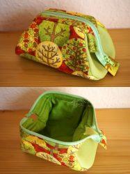 Green Dressing Bag with Brace Frame