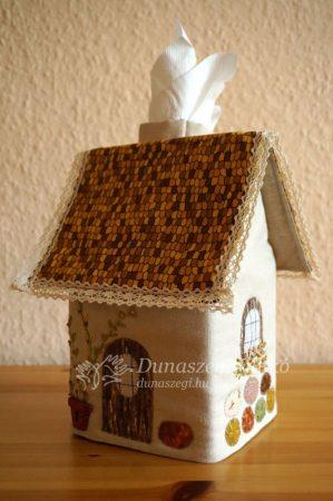 Papirzsebkendő   tartó házikó