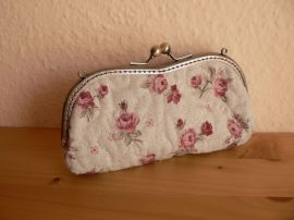Clutch Spectacle Case with Roses